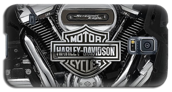 Galaxy S5 Case featuring the digital art 2017 Harley-davidson Screamin' Eagle Milwaukee-eight 114 Engine With 3d Badge by Serge Averbukh
