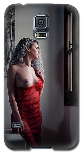 Galaxy S5 Case featuring the photograph Tu M'as Promis by Traven Milovich