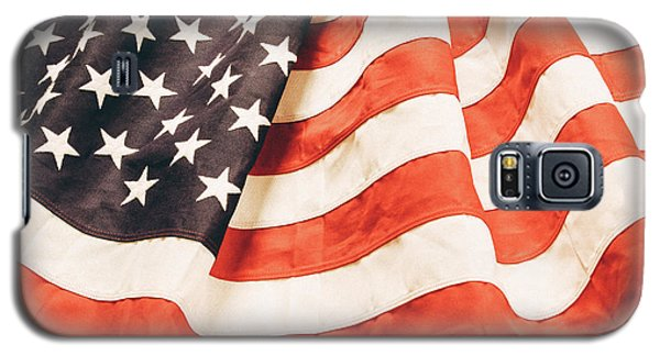 Galaxy S5 Case featuring the photograph American Flag by Les Cunliffe