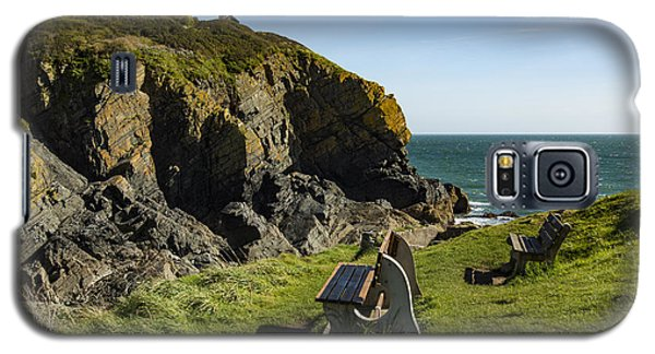 Galaxy S5 Case featuring the photograph Cadgwith Cove by Brian Roscorla