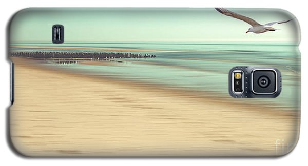 Galaxy S5 Case featuring the photograph Desire Light Vintage by Hannes Cmarits