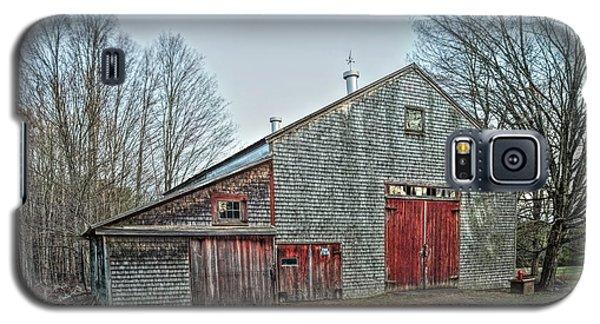 Faithful Old Barn Galaxy S5 Case by Richard Bean