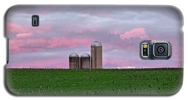 Galaxy S5 Case featuring the photograph 3 Silos by Robert Geary