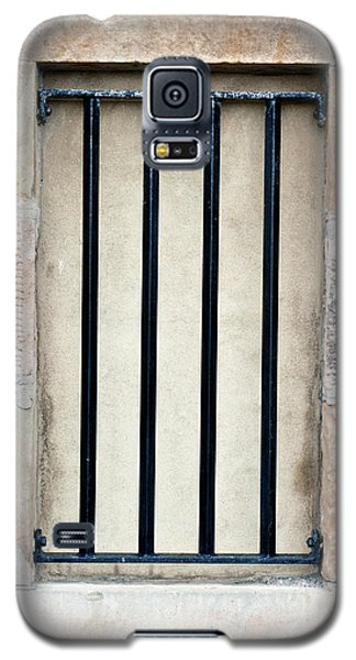 Dungeon Galaxy S5 Case - Window Bars by Tom Gowanlock