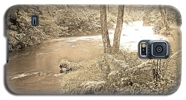 Galaxy S5 Case featuring the photograph Mud Run Pocono Mountain Stream Pennsylvania by A Gurmankin