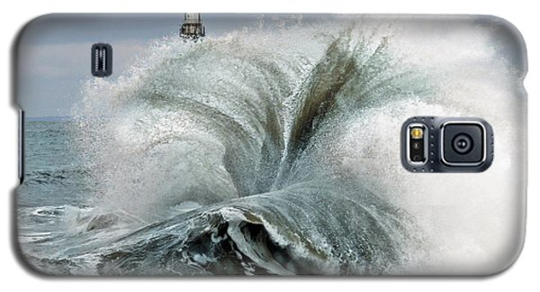 Galaxy S5 Case featuring the photograph Roker Pier Sunderland by Morag Bates