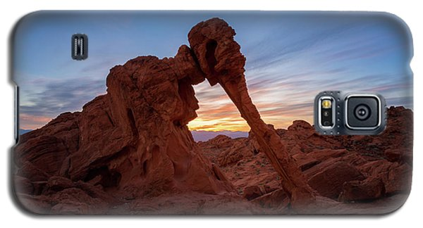 Valley Of Fire S.p. Galaxy S5 Case by Jon Manjeot
