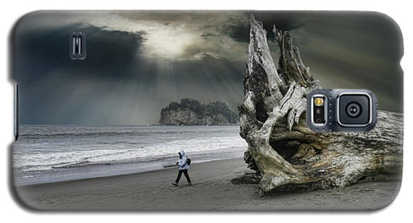 Galaxy S5 Case featuring the photograph 4392 by Peter Holme III