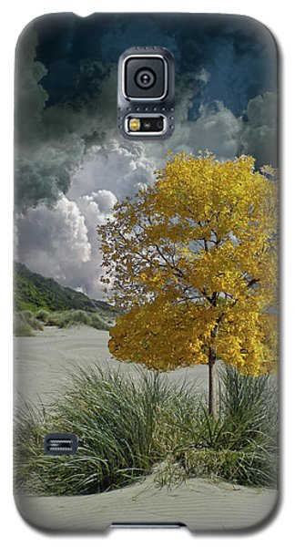 Galaxy S5 Case featuring the photograph 4422 by Peter Holme III
