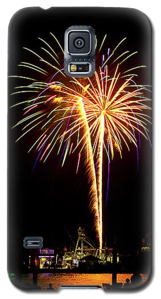 Galaxy S5 Case featuring the photograph 4th Of July Fireworks by Bill Barber