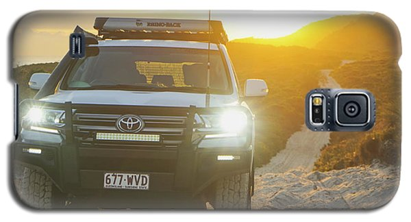 4wd Car Explores Sand Track In Early Morning Light Galaxy S5 Case