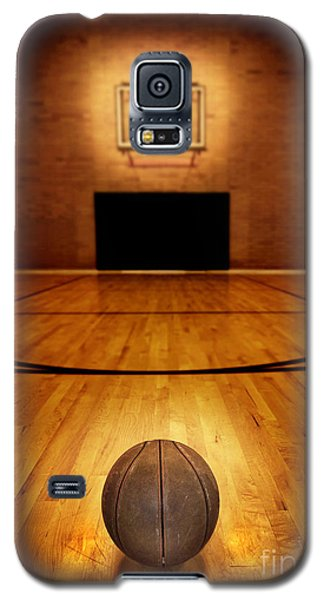 Basketball And Basketball Court Galaxy S5 Case by Lane Erickson