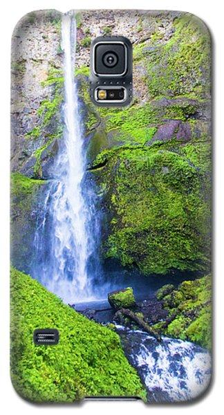 Galaxy S5 Case featuring the photograph Multnomah Falls by Jonny D