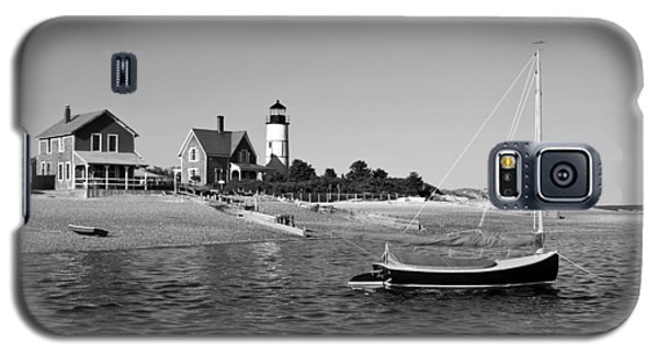 Galaxy S5 Case featuring the photograph Sandy Neck Lighthouse by Charles Harden