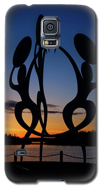 United In Celebration Sculpture At Sunset 1 Galaxy S5 Case