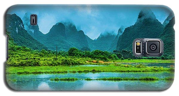 Karst Rural Scenery In Raining Galaxy S5 Case