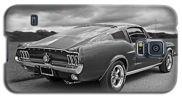 67 Fastback Mustang In Black And White Galaxy S5 Case