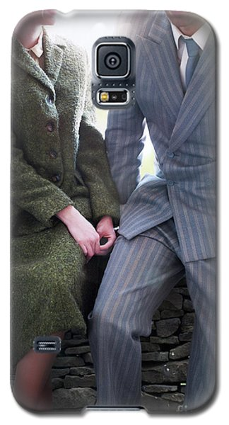 1940s Couple Galaxy S5 Case by Lee Avison