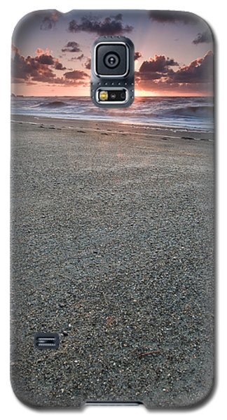 A Beach During Sunset With Glowing Sky Galaxy S5 Case