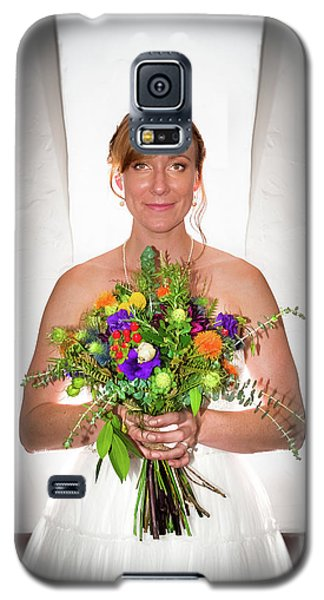 A Beautiful Backlit Bride And Her Bouquet Galaxy S5 Case