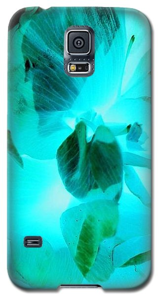 Galaxy S5 Case - A Bloom In Turquoise by Orphelia Aristal