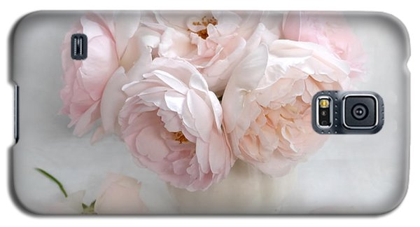 A Bouquet Of June Roses #2 Galaxy S5 Case by Louise Kumpf