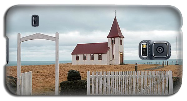 Galaxy S5 Case featuring the photograph A Church With No Fence by Dubi Roman