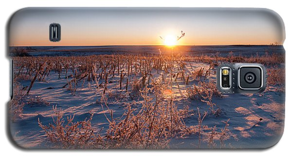 Galaxy S5 Case featuring the photograph A Cold December Morning by Monte Stevens