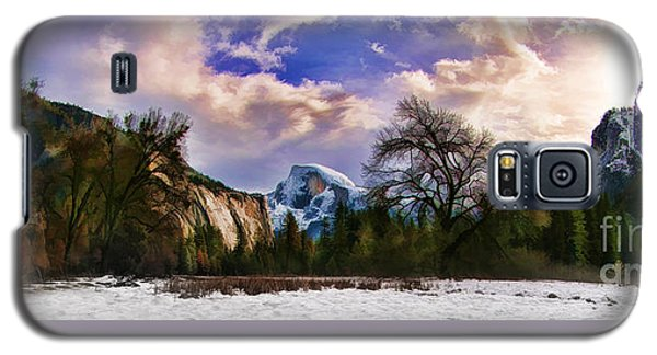 A Cold Yosemite Half Dome Morning Galaxy S5 Case