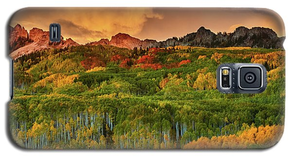 Galaxy S5 Case featuring the photograph A Colorado Autumn Along Kebler by John De Bord