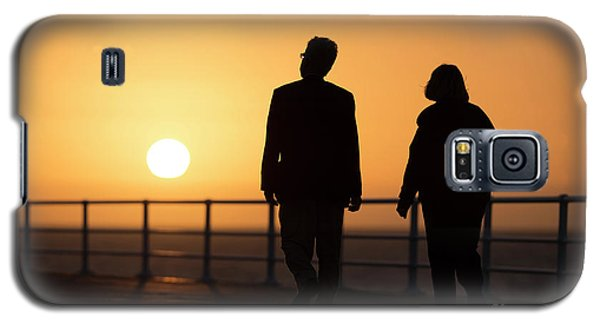 A Couple In Silhouette Walking Into The Sunset Galaxy S5 Case