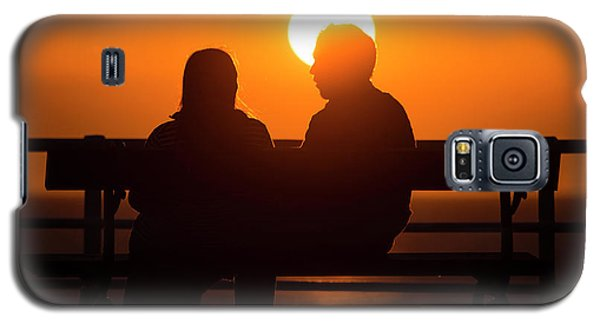 A Couple Sitting At Sunset Galaxy S5 Case