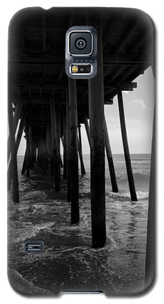 Galaxy S5 Case featuring the pyrography A Day At Virginia Beach #2 by Rebecca Davis