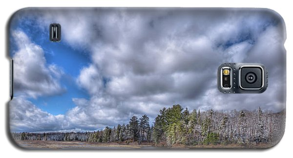 Galaxy S5 Case featuring the photograph A Dusting Of Snow by David Patterson