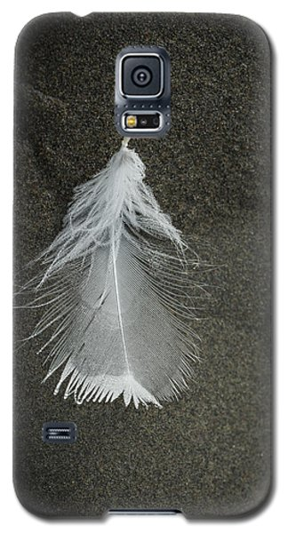 A Feather At The Edge Of The Water Galaxy S5 Case