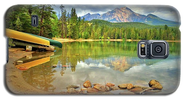 Galaxy S5 Case featuring the photograph A Gentle Light At Lake Annette by Tara Turner