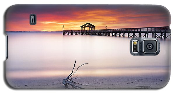 Galaxy S5 Case featuring the photograph A Good Morning by Edward Kreis
