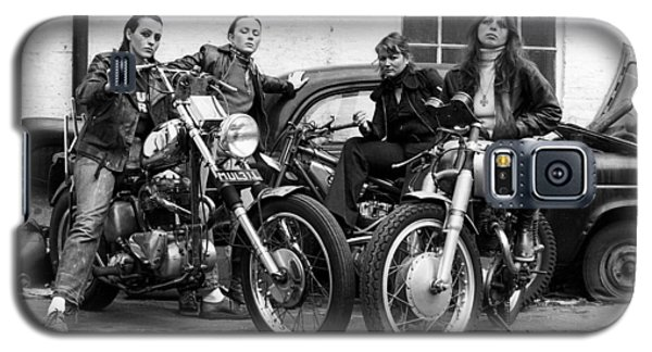 A Group Of Women Associated With The Hells Angels, 1973. Galaxy S5 Case