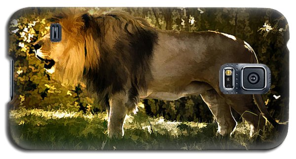 Galaxy S5 Case featuring the photograph A Lion King by Elaine Manley