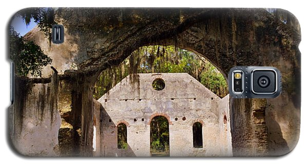 A Look Into The Chapel Of Ease St. Helena Island Beaufort Sc Galaxy S5 Case