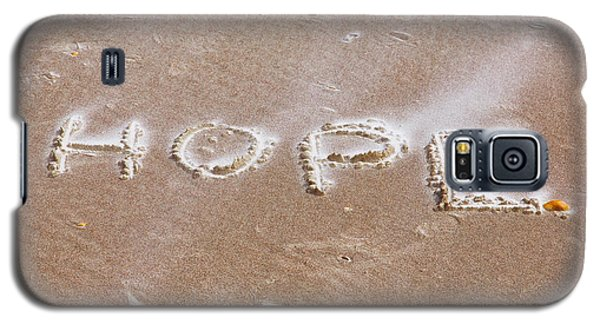 Galaxy S5 Case featuring the photograph A Message On The Beach by John M Bailey