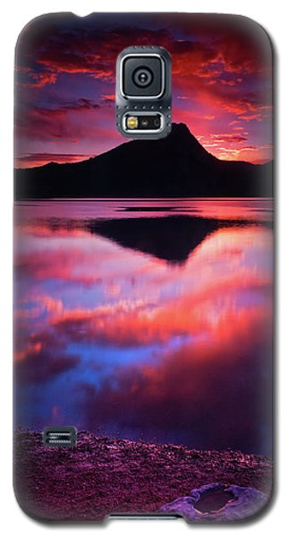 Galaxy S5 Case featuring the photograph A New Start by John De Bord