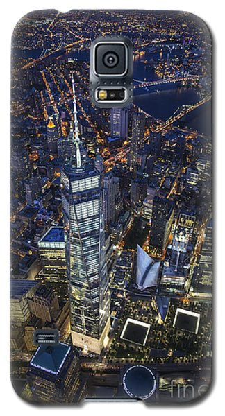 Galaxy S5 Case featuring the photograph A Night In New York City by Roman Kurywczak