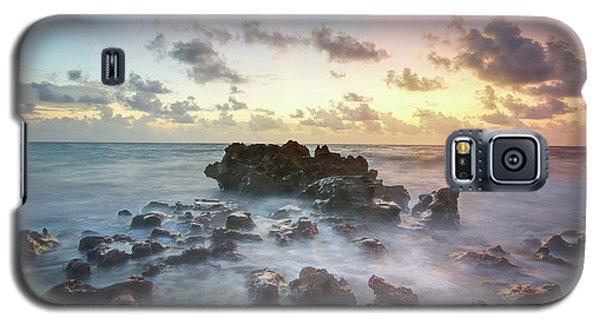 A Rocky Sunrise. Galaxy S5 Case