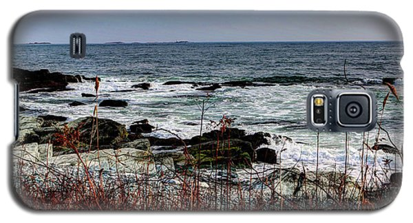 Galaxy S5 Case featuring the photograph A Shoreline In New England by Tom Prendergast