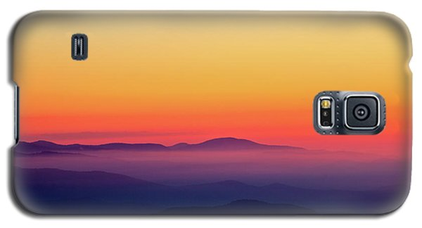 Galaxy S5 Case featuring the photograph A Simple Sunrise by Douglas Stucky