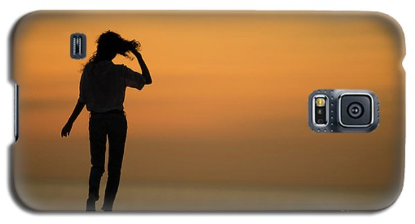 A Slim Woman Walking At Sunset Galaxy S5 Case