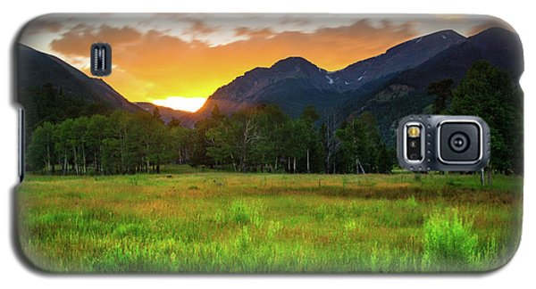 Galaxy S5 Case featuring the photograph A Summer Evening In Colorado by John De Bord