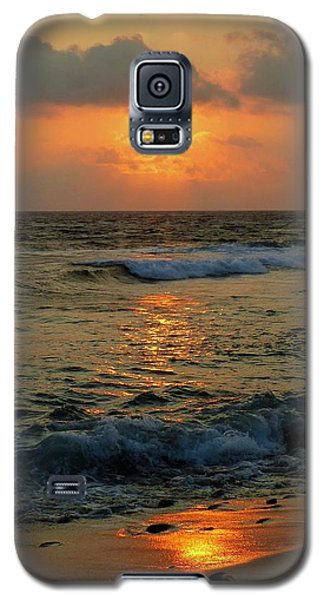 Galaxy S5 Case featuring the photograph A Sunset To Remember by Lori Seaman