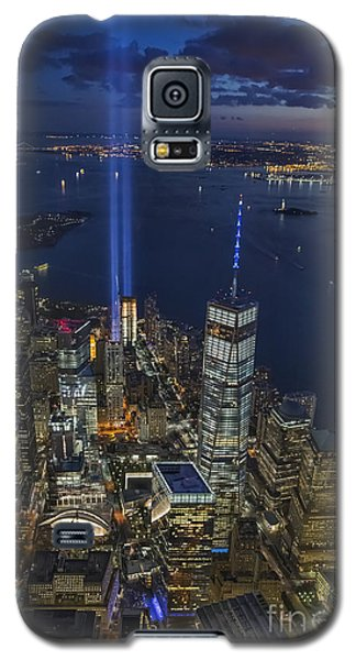 Galaxy S5 Case featuring the photograph A Tribute In Lights by Roman Kurywczak